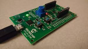 using microchip mplab xpress ide and evaluation board maxembedded