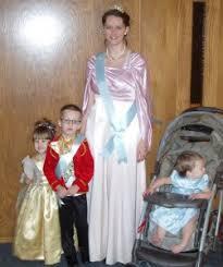 Grandma Grandpa Halloween Costumes Ultimate List Family Costume Ideasmamablogga