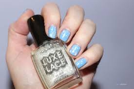the texture trend sally hansen luxe lace and velvet texture nail