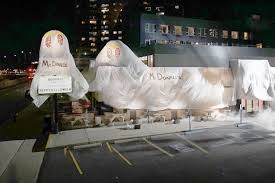 siege social macdonald mcdonalds hit back after burger king s restaurant