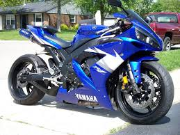 2004 yamaha yzf r1 with black to blue anodized underseat exhaust