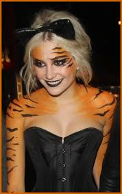 Halloween Costumes Nightclubs Pixie Lott Wearing Tiger Makeup Boujis Nightclub London