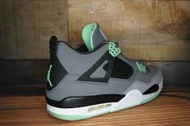 green glow 4 air 4 retro green glow 2013 used original box size 13 1696
