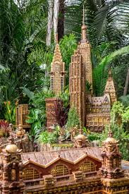 nyc u0027s new york botanical garden holiday train show returns for its