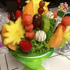fruit arrangements delivered edible arrangements 15 photos 70 reviews gift shops 3980