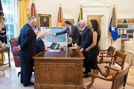 Oval Office Trump by Photos From President Donald J Trump U0027s Briefing On Hurricane Irma