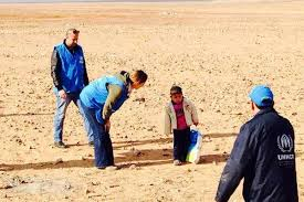 syrian desert little boy separated from family while crossing syrian desert
