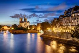free animated halloween wallpaper notre dame de paris wallpapers pictures images
