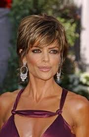 what is the texture of rinnas hair lisa rinna corte de pelo buscar con google short hair styles