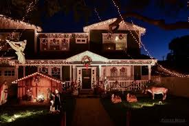 outside christmas light ideas houses decorated with christmas lights