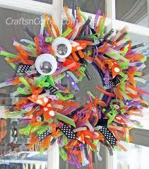 an easy halloween wreath made three different ways crafts u0027n coffee