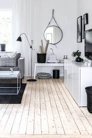 20 rooms with wooden floors messagenote