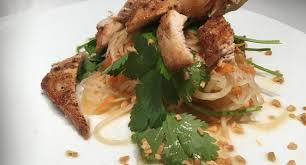 cuisiner la salade verte la meilleure salade de papaye verte et poulet par le chef pascal turgeon