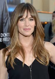 long layers with bangs hairstyles for 2015 for regular people jennifer garner long layered wavy hairstyle with wispy bangs