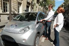 siege autolib espionnage voiture électrique autolib porte plainte contre un