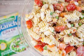 chicken bacon ranch pasta salad with creamy greek yogurt dressing