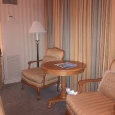 dated window treatments five tips to help you plan a trip to vegas two traveling texans