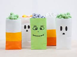how to make diy party favor bags for halloween momtastic com