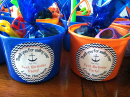 Halloween Party Favor Ideas by Party Favors Girls 17 Best Ideas About Beach Gift Baskets On