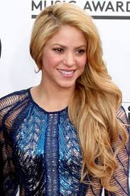 what color is shakira s hair 2015 shakira s hairstyles hair colors steal her style