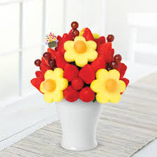 edible arrangents edible arrangements fruit baskets blooming daisies
