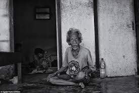Locked In Room Games - heartbreaking pictures show bali u0027s dark side where mentally ill