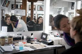 makeup design school where to learn to be a make up artist in toronto