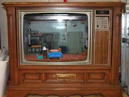 i turned an old tv into a seinfeld themed aquarium seinfeld