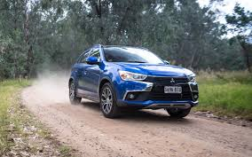 asx mitsubishi modified comparison ford escape titanium 2017 vs mitsubishi asx xls