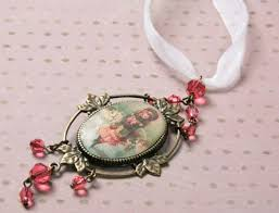 Victorian Christmas Ornaments - a victorian christmas from the learning center artbeads blog