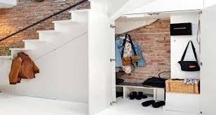 logiciel pour ranger bureau un rangement sous escalier gain de place et déco