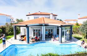 B Om El Schrank Lodge Maximum Mansion Praia D U0027el Rey Portugal Casal Da Lagoa Seca