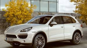 2011 porsche cayenne mpg 2011 porsche cayenne hybrid with 21 25 mpg goes on sale
