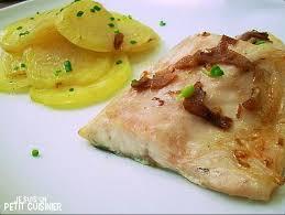 cuisiner du bar au four bar au four façon orio à la vinaigrette d ail poisson au four