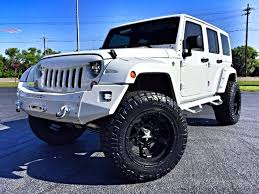 jeep rubicon white 1937609 33 revo jpg