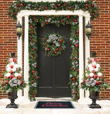 Decorate Outside Entryway Christmas by Outside Christmas Decorations Dress Up Your Home Improvements Blog