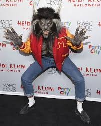 she u0027s a thriller heidi klum arrives to her halloween party as the