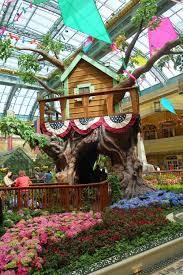 Botanical Gardens Bellagio by Ten Things To Do In Las Vegas While On Honeymoon Silverspoon