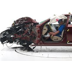 hyundai genesis test 2015 hyundai genesis prevails in crash test youwheel com car