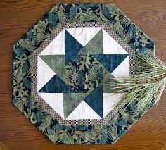 free patterns quilted potholders free stella table topper pattern twisting star table toppers