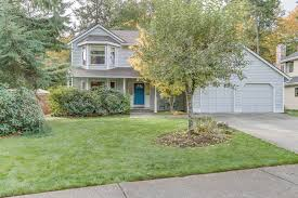 sold 6 offers 15 000 over list price updated two story home on