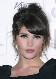 gemma arterton hair bangs eye makeup hair styles peinados