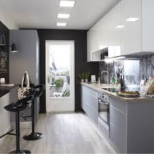cuisine gris taupe cuisine gris taupe avec plan de travail cuisine gris clair plan