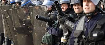 L'Europe de la paix et des droits de l'homme : mon oeil ! - Page 2 Images?q=tbn:ANd9GcQsFoE9tVfUnyeEV9jplZaOLn1zF8yM61L40lzkhGm1XD20yG8cNQ