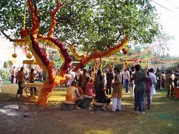 How To Decorate Home Temple Holi Decoration Ideas For Home And Office Holi Happy Holi 2017