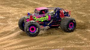 monster truck videos freestyle wild flower freestyle san diego monster jam 2016 youtube