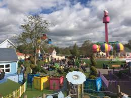 peppa pig world and paultons park england