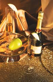 thanksgiving champagne the prosecco pear the perfect thanksgiving drink carrie dayton