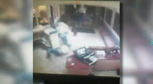 ihop black friday see it ihop waiter with black belt beats down restaurant robber