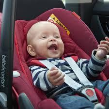 comment attacher un siège auto bébé voyager en voiture avec bébé sièges auto isofix au banc d essai